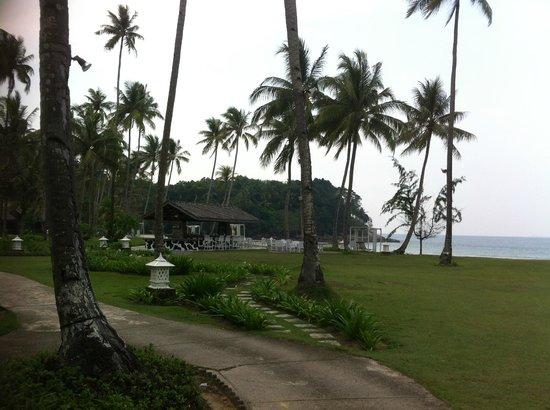 Nirwana Gardens - Indra Maya Pool Villas: Beach Bar