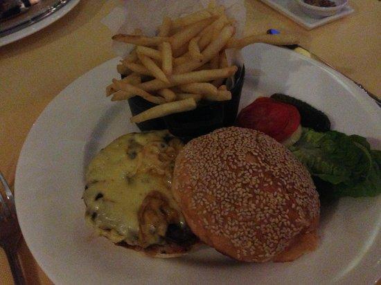 The Chateau Spa & Organic Wellness Resort: Room service dinner