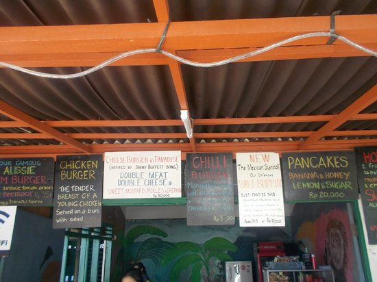 Ari Home Stay & Hot Dog Shop : the menu