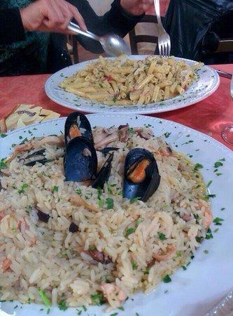 antico ristorante marinaro : Risotto con i frutti di mare e pennette al pesce spada