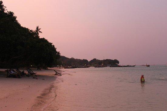 Zeavola Resort : phi phi al atardecer