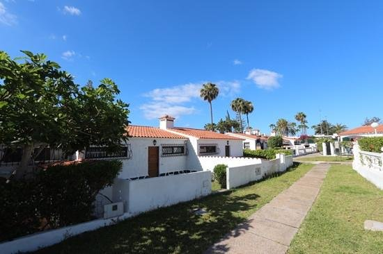 Santa Barbara Apartments: bungalows