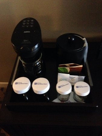 Hilton Garden Inn Times Square : coffee machine and fridge appreciated