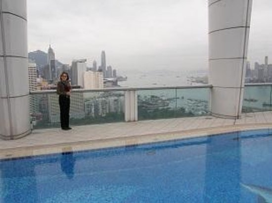 Metropark Hotel Causeway Bay Hong Kong: A cool day at the Metropark pool