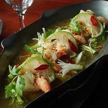 Chilli Banana Thai Restaurant: Steamed Sea Bass fillets with lime juice and chilli