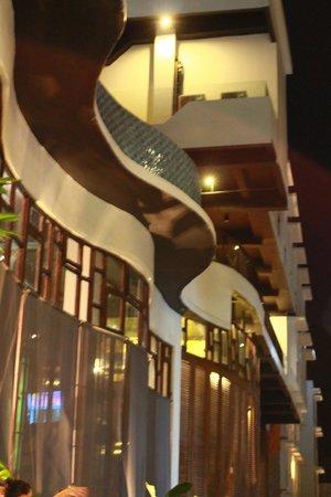 Sun Island Hotel & Spa Legian: Hotel exterior
