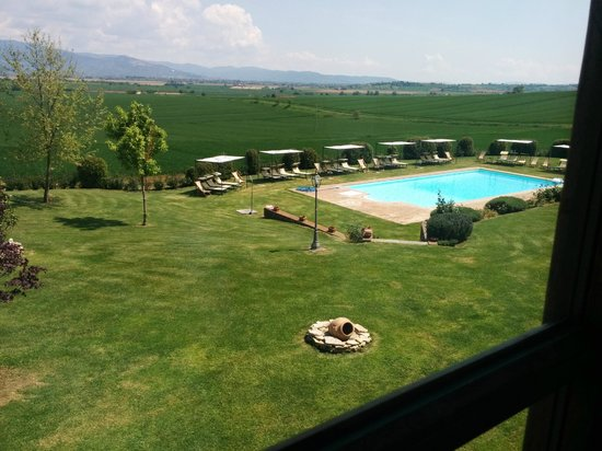 Agriturismo Il Belvedere : Camera con vista piscina