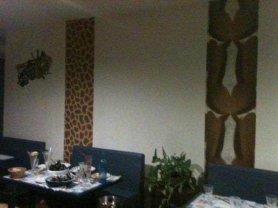 BAR AMBROSIA : Déco jungle....