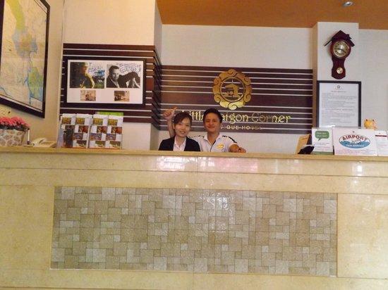 Little Saigon Corner Boutique Hotel : une petite partie de l'équipe