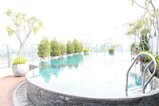 Ibis Styles Yogyakarta: Nice Swimming pool