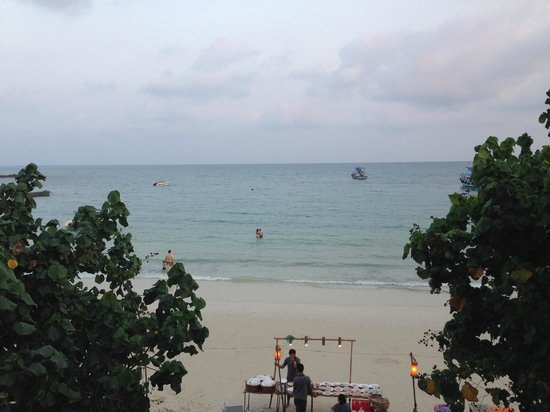 La Lune Beach Resort : view from upper floor of the lobby area
