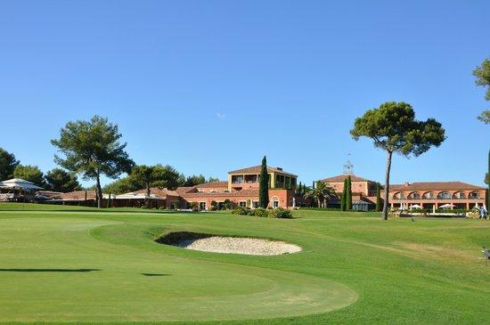 Hotel & Spa du Castellet : Vue du parc