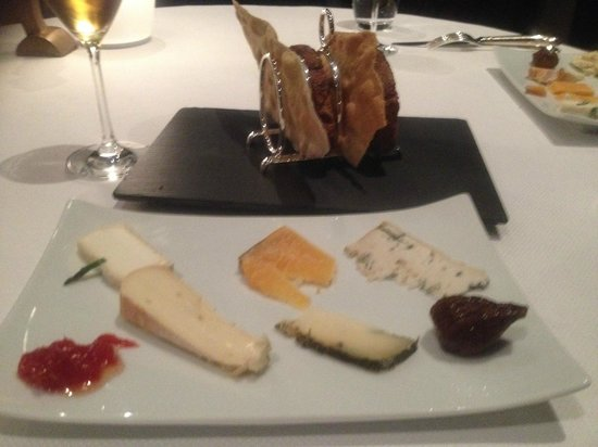 Vinkeles: Great Cheese choice - Especially recommend the fresh Dutch goats cheese with rosemary.