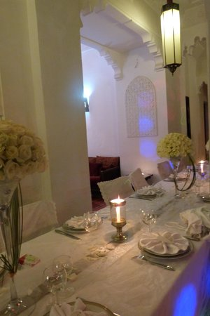 Riad Fabiola: table du mariage faite par le personnel