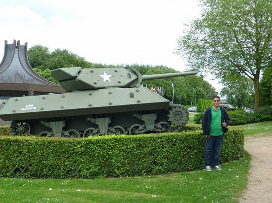 Musée Mémorial de la Bataille de Normandie : One of the many outside tanks