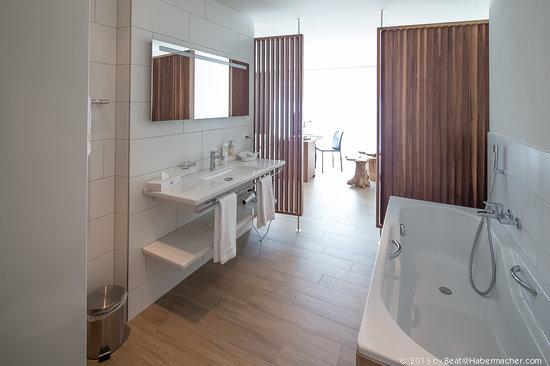 Hotel Restaurant Rössli: Badezimmer Service Appartement