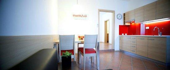 Ahotel Hotel Ljubljana: Apartment