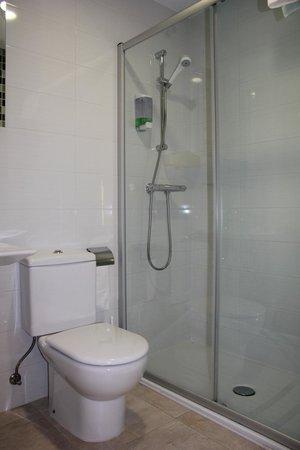 Iturritxo Landetxea : Baño Habitación Peine del Viento