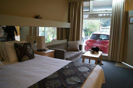 Comfort Inn & Suites Emmanuel: bed and lounge