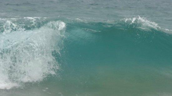 Playa Bluff: Agua transparente