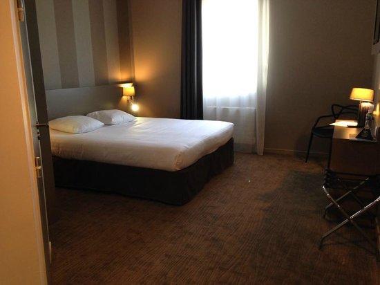 Hotel Le Galion : Chambre PMR