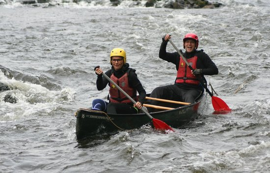 Wye Canoes Ltd: Canoeing the rapids at Symonds Yat