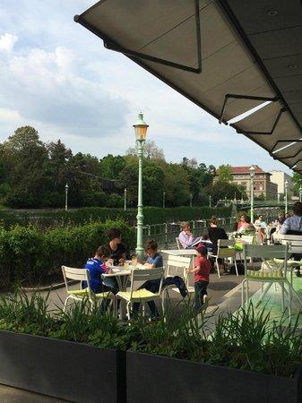 Meierei am Stadtpark: Mesas externas