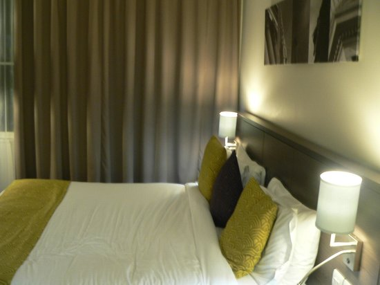 Citadines Trafalgar Square London: chambre