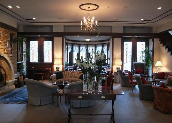 Hotel La Neige: Hotel lounge area