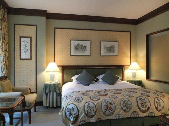 Hotel La Neige: Room with character
