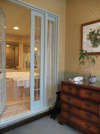 Hotel La Neige: Love the jacuzzi