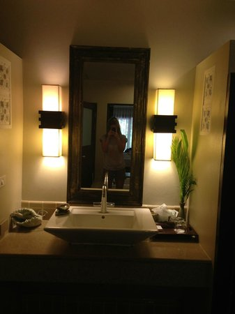 Fair House Beach Resort & Hotel : deluxe garden view bathroom