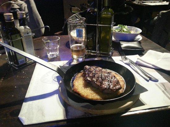 Officina Gambrinus: Controfiletto di black Angus con rosti di patate