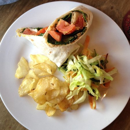 Tea Sutra Teahouse: Wrap with tomatoes