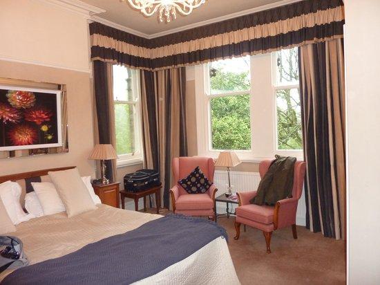 Alexandra Court Guest House: Room 307