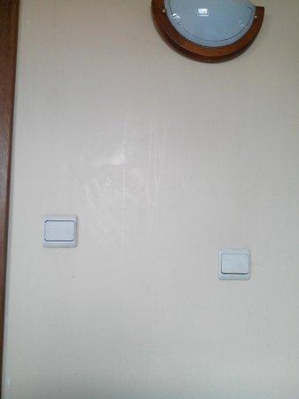 Aristote Hotel: Des murs propres...