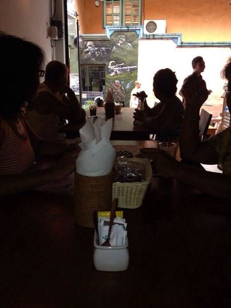 The Grind Cafe, Bali: This cafe gets busy - especially at breakfast