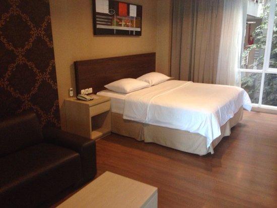 Avissa Suites : Bed (suite)