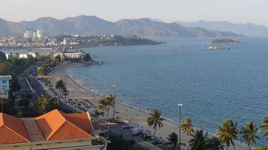 Sunrise Nha Trang Beach Hotel & Spa: View fro Sky Lounge