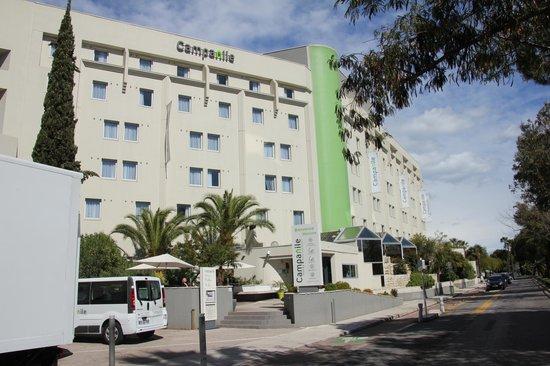 Campanile Nice - Aeroport: ホテルの外観