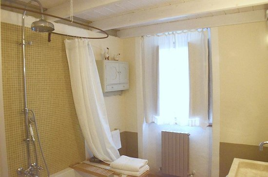 La Grencaia Bed & Breakfast: Bagno della suite La Torre
