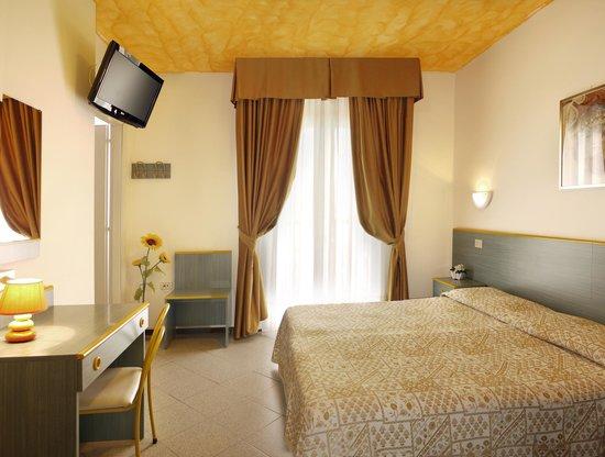 Hotel Storione: camera matrimoniale/tripla