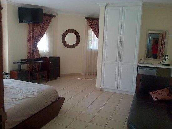 Indwendwe Lodge: bed room