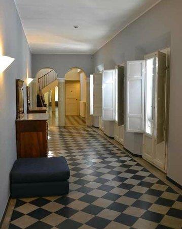 Hotel Vittoria: corridoio primo piano