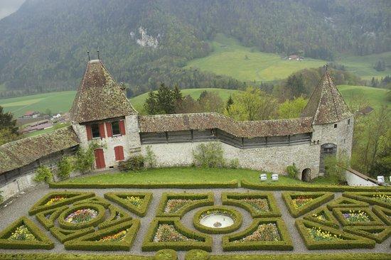 Château de Gruyères : Il giardino interno