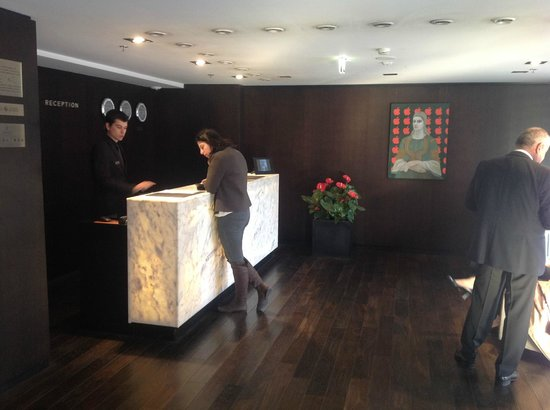 Sense Hotel Sofia: Lobby