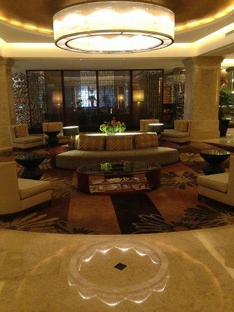 Sofitel Plaza Hanoi : Hotel Lobby