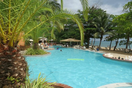 Rincon Beach Resort : Wonderful pool