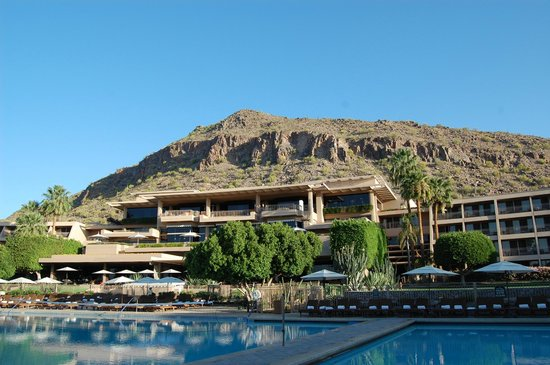 The Phoenician, Scottsdale : hotel and pool