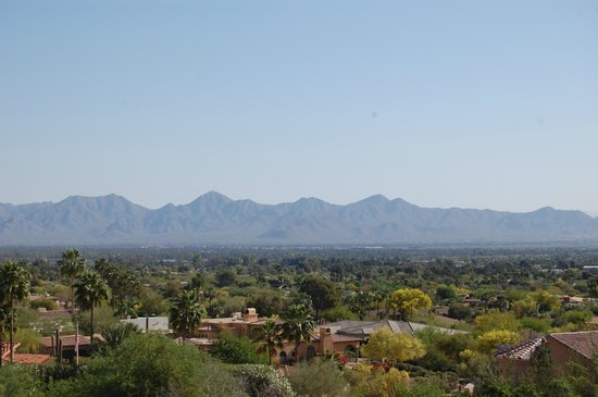 The Phoenician, Scottsdale : view from hotel and golf course